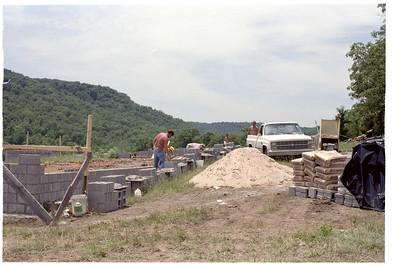 1985 - Building Johnnie Barnes Lodge