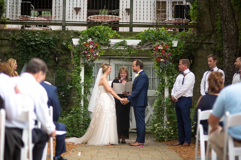 Garrett & Lisa Wedding (313).jpg