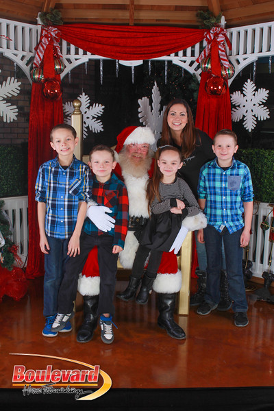 Santa 12-10-16-107.jpg