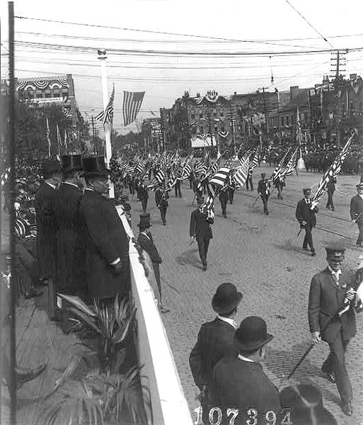 . President Theodore Roosevelt, with the Mayor of Canton and the Gov. of Ohio, reviewing parade on McKinley Memorial Day, Canton, Ohio, Sept. 30, 1907. Underwood & Underwood, publisher.  Courtesy the Library of Congress