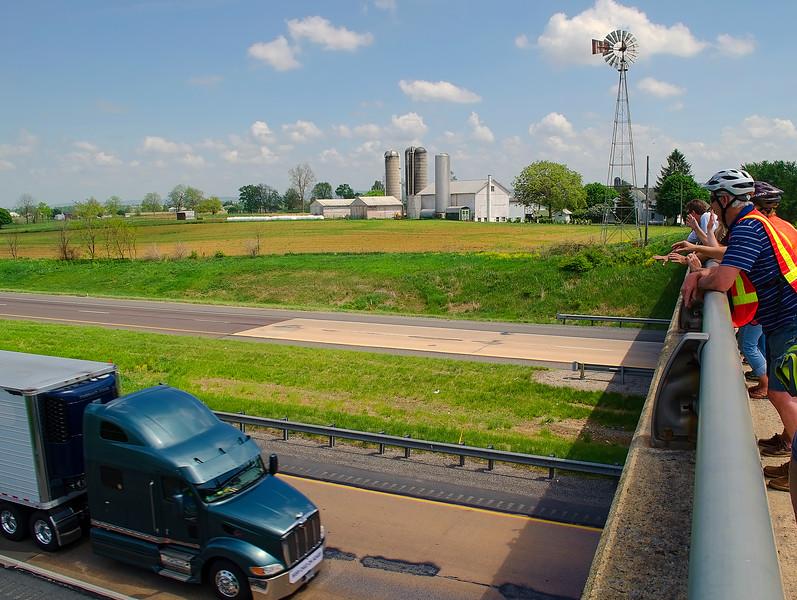 convoy may2015 - spectators on the bridge(p).jpg