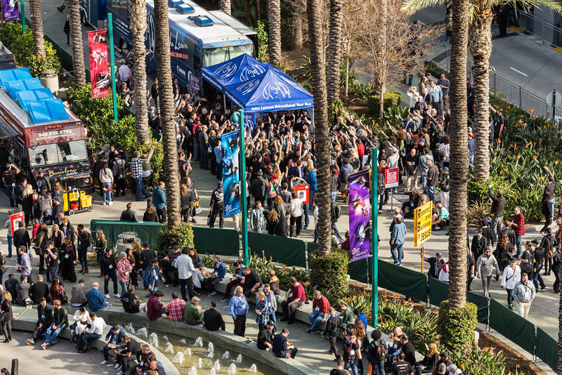 2017_01_21, Anaheim, CA, NAMM, canon, Bus, exterior, giveaways, peace signs