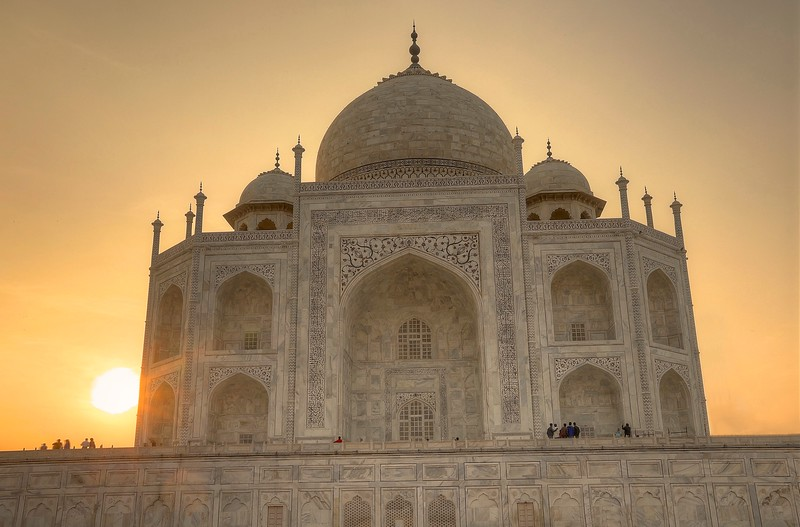 Taj Mahal glowing at sunset