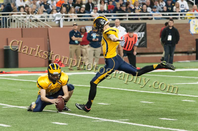 2014 Clarkston Varsity Football vs. Saline 586.jpg