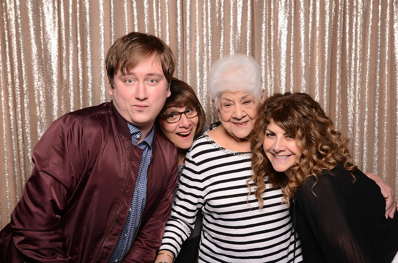 20180324_MoPoSo_Seattle_Photobooth_Number6Cider_Thoms50th-14.jpg