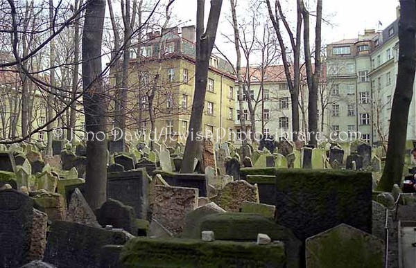 CZECH REPUBLIC, Prague. Old Jewish Cemetery. (1998)