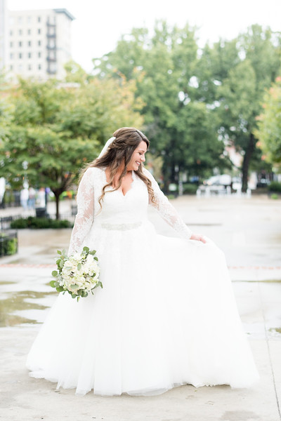 downtown-knox-bridal-portrait.jpg