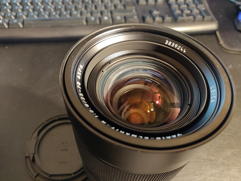 Leica R 35mm–70mm 2.8 Vario-Elmarit-R ASPH Converted Canon EOS Boxed - Serial 3839244 007.jpg