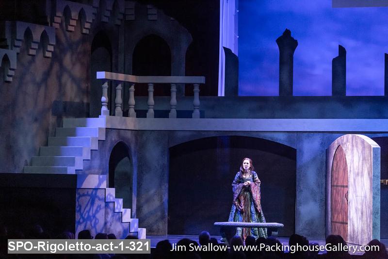 SPO-Rigoletto-act-1-321.jpg