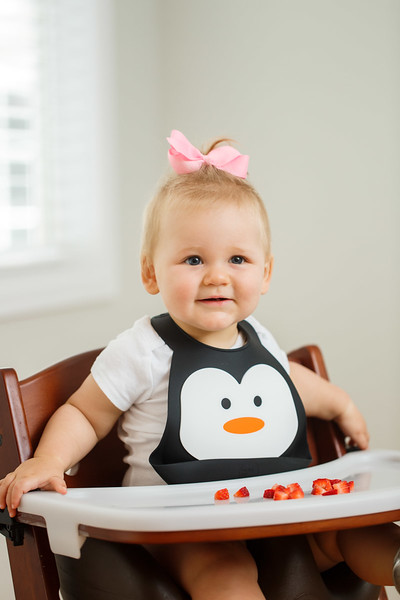 Make_My_Day_Bib_Penguin_lifestyle (23).JPG