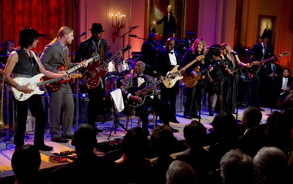 . Guitarists Jeff Beck (L), Derek Trucks (2nd L), Gary Clark (3rd L), B.B. King (C), Buddy Guy (5th R), Warrne Haynes (4th R), Shemekia Copeland (3rd R), Susan Tedeschi (2nd R) and Keb Mo (R) play during a celebration of Blues music and in recognition of Black History Month as part of their �In Performance at the White House� series in Washington, DC,  February 21, 2012.            (JIM WATSON/AFP/Getty Images)