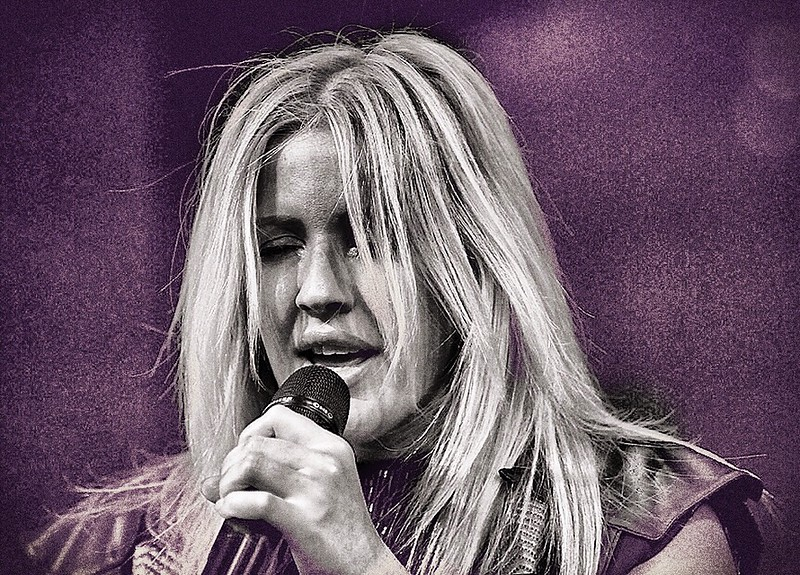 Images from the Ellie Goulding concert in support of her new album.