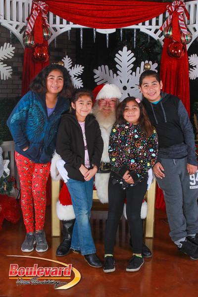 Santa 12-10-16-263.jpg
