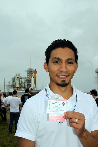 @chaalz with Space Shuttle Atlantis on Launch Pad 39-A