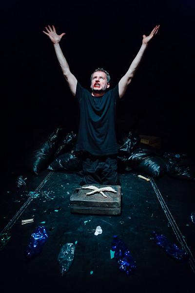 14_Macbeth - Divadlo Kontra - Greg Goodale-.jpg