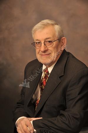 27341 Studio portrait Mr Nardi