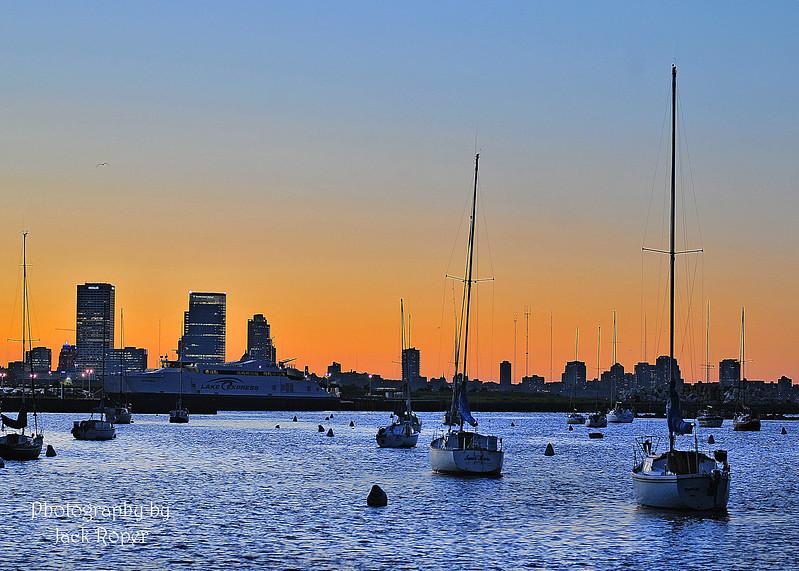 01 Milwaukee harbor July 4-2017_2697.jpg