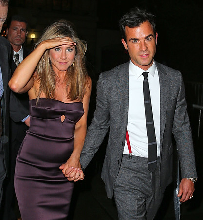 2013-08-01 - Jennifer Aniston and Justin Theroux
