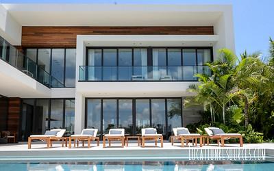HUB21259 Bay Skyline  (Miami Beach)