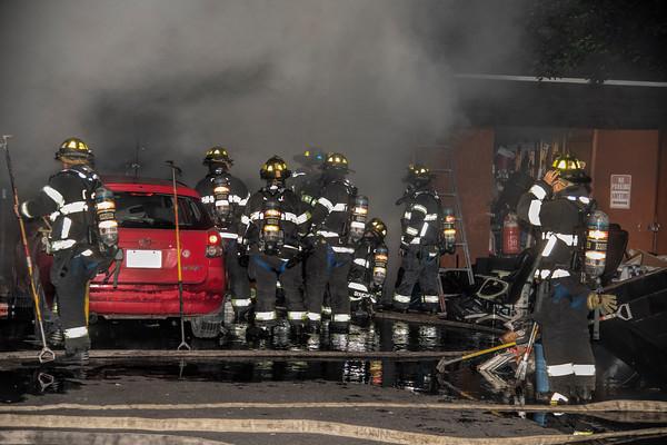 Elizabeth, NJ 2nd alarm 542 E. Jersey St. garage fire