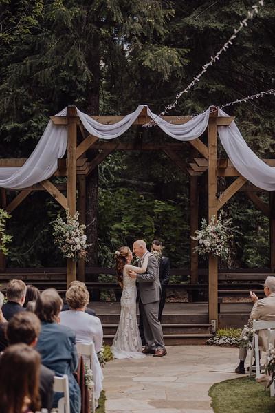2018-05-12_ROEDER_JulieSeth_Wedding_ROEDER2_0053.jpg