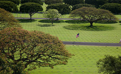 Hawaii: Punchbowl on Memorial Day