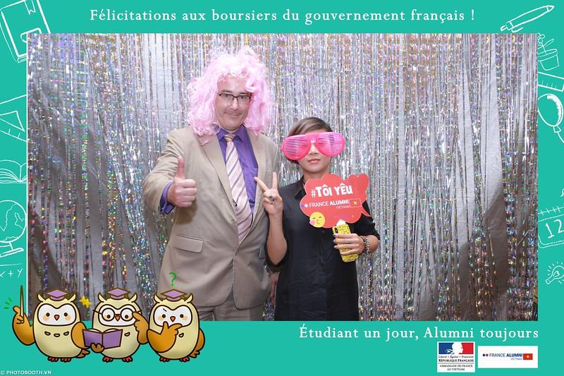France-Alumni-Vietnam-photobooth-at-Franch-Embassy-Vietnam-photobooth-hanoi-in-hinh-lay-ngay-Su-kien-Lanh-su-quan-Phap-WefieBox-photobooth-vietnam-017.jpg