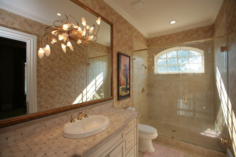 Bathroom 3.JPG