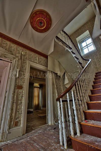 Abandoned Dr's Mansion (26).jpg