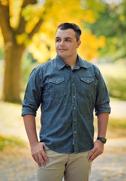 Senior Tyler Garrison