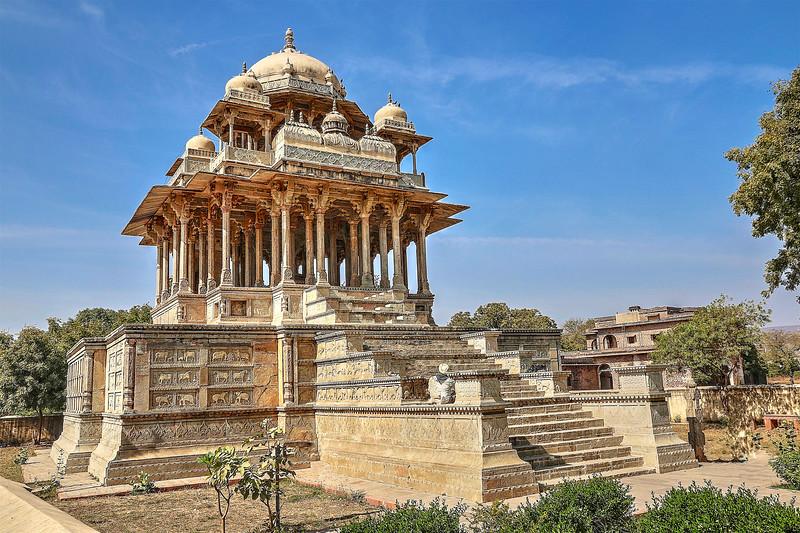 """Chaurasi Khambon ki Chhatri or """"84-Pillared Cenotaph"""" is a chhatri located in Bundi town, Rajasthan"""