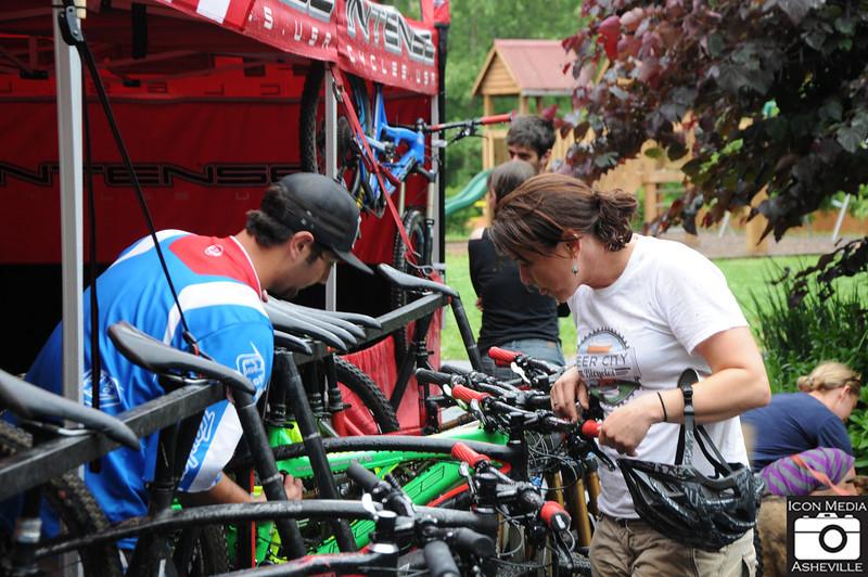 Cane Creek Intense Bikes Demo 047.jpg