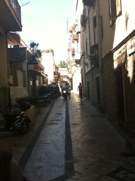 20110812-Ginka-Sicily-20110812--IMG_1095--0224.jpg
