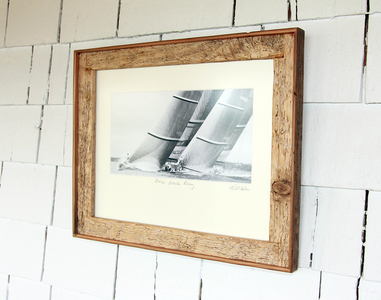 A truly beautiful print with a piece of wood painstakingly and carefully molded to form this frame which really showcases how beautiful driftwood can be and how the frames themselves are indeed works of art!