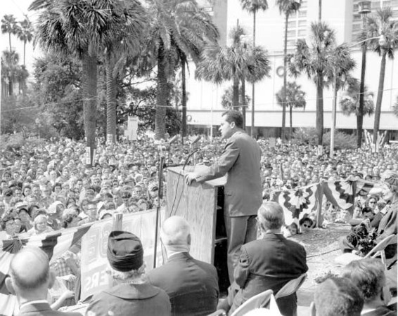 Richard Nixon-1960.jpg
