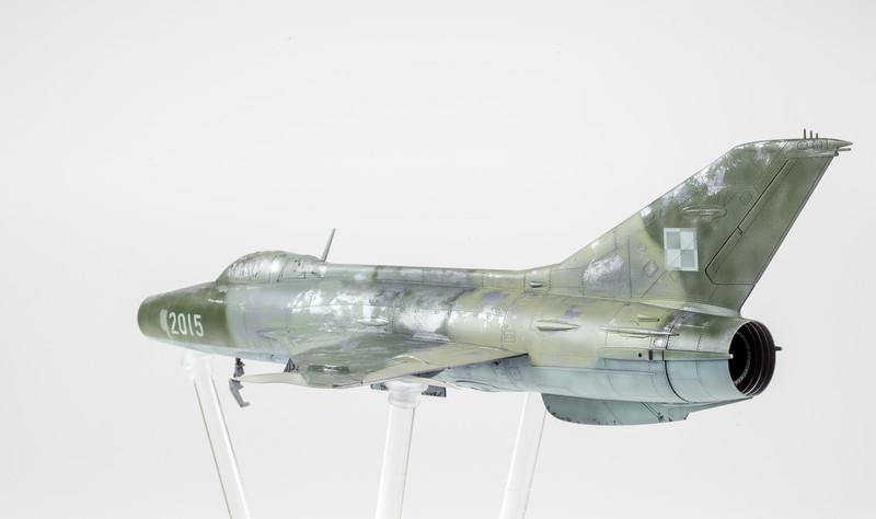 Trumpeter MiG-21F-13 03-30-14-5.jpg