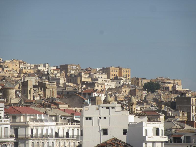022_Alger. La Casbah. UNESCO. 25,000 habitants.JPG