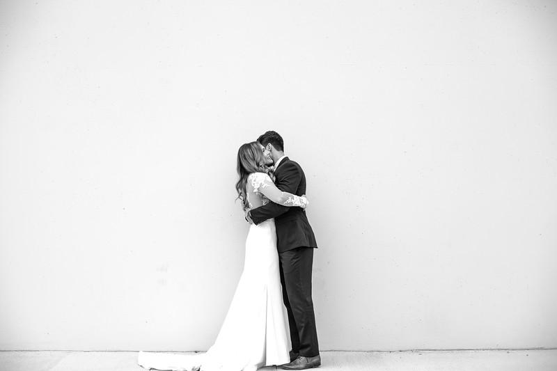 Kate&Josh_B&W_ZACH.WATHEN.PHOTOGRAPHER-202.jpg