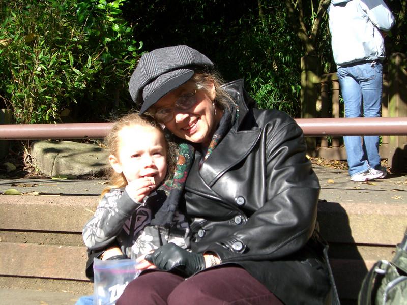 20071026.CIMG1863.Zoo-SittingWithGrandma.jpg