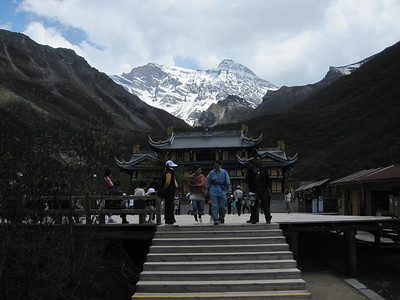 June 2011: Huang Long and Sichuan Earthquake Area