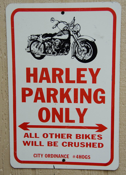 Harley parking 3281.jpg