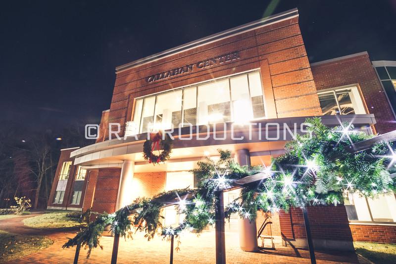 12042018_RAC_Campus-Wreaths-29.jpg