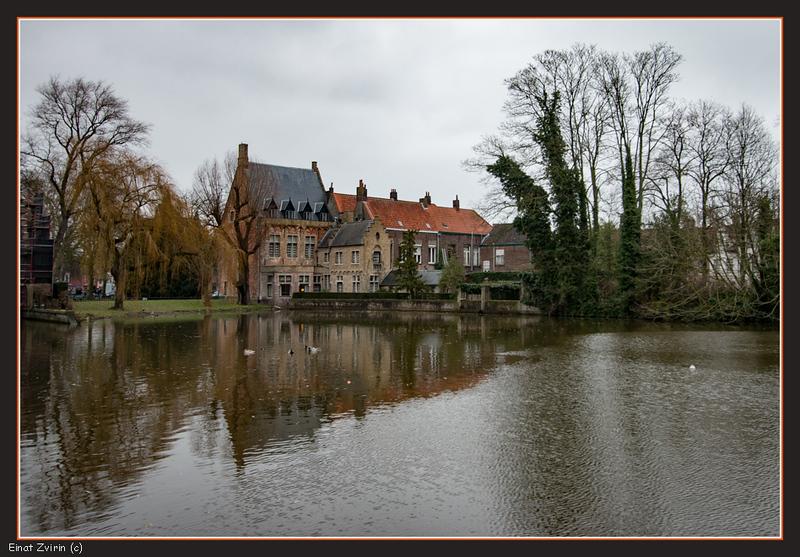 2017-12-23_5949 Brugge Minnewater.jpg
