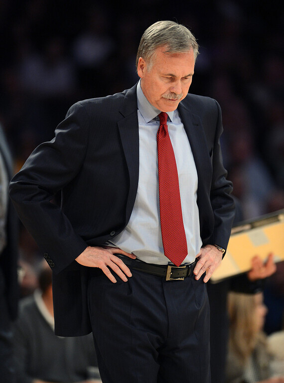 . Lakers coach Mike D\'Antoni during their game against the Grizzlies at the Staples Center in Los Angeles Friday, November 15, 2013. The Grizzlies beat the Lakers 89-86.  (Photo by Hans Gutknecht/Los Angeles Daily News)
