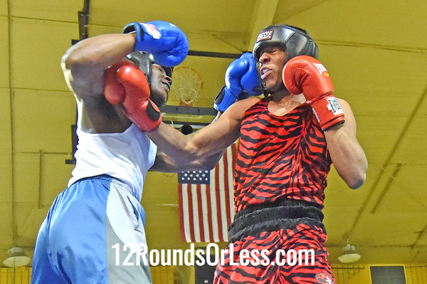 Bout 7 Roney Hines, Red Gloves, Bob Davis BC -vs- James Evans, Blue Gloves, Bullpen Boxing(Toledo), 178 lbs, Novice, 2 Min. Rds