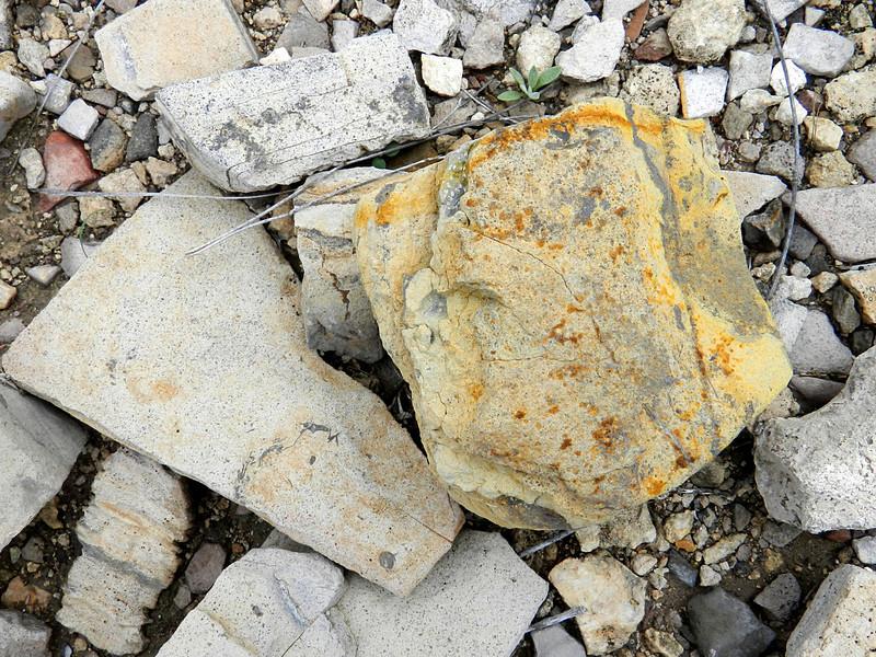 terlingua ranch 131 rocks.jpg