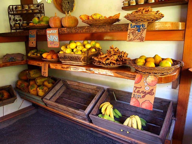 Laulima-Farm-fruit-shop.jpg