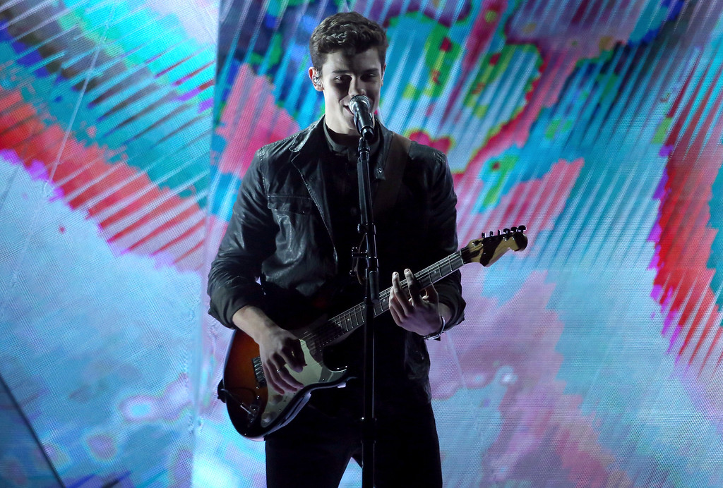 ". Shawn Mendes performs ""Mercy\"" at the American Music Awards at the Microsoft Theater on Sunday, Nov. 20, 2016, in Los Angeles. (Photo by Matt Sayles/Invision/AP)"
