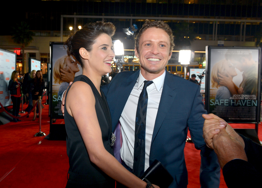 Description of . Actors Cobie Smulders (L) and David Lyons arrive at the premiere of Relativity Media's
