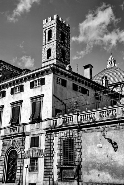 Cathedrale S. Martino 5 BW.jpg